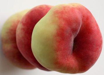peaches-1446378_640
