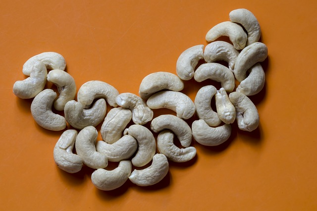 cashew-1452216_640