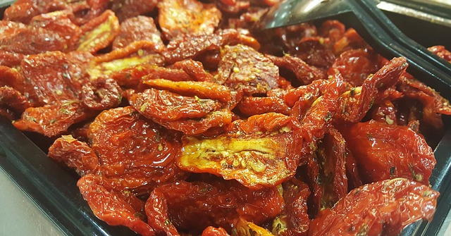 sun-dried-tomatoes-1334369_640